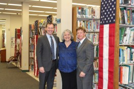 """Don Cazayoux and Lane Ewing Volunteer at """"Lawyers in Libraries"""" Event"""